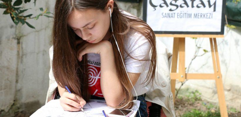 Öğrencilerimizden Selcan Türkmen Çanakkale konulu resim yarışmasında Türkiye 2.si oldu